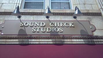 Sound check studios music lessons